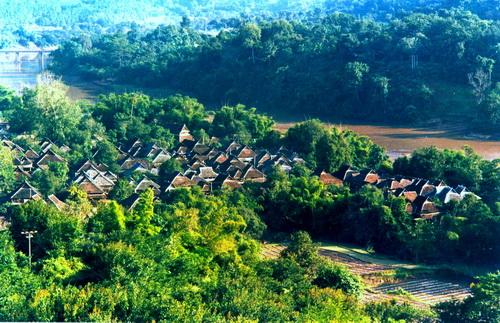 感受傣族乡村的淳朴民风;了解傣族村寨的发展变化,参观西双版纳新农村