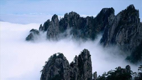 5小时,抵达安徽黄山,中餐后,车赴【黄山风景区】, 在汤口换乘中心乘
